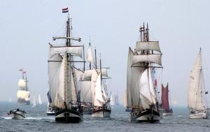 Hanse Sail Parade vor Warnemünde. Foto: Joachim Kloock