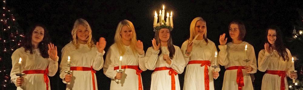 Lucia-Chor nach skandinavischem Vorbild