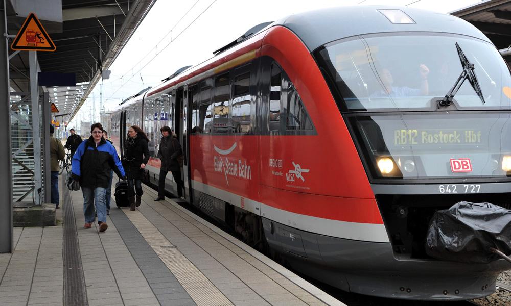 DB Regio RB 12 in Rostock. Foto: Joachim Kloock