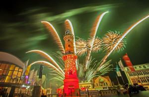 Leuchtturm in Flammen 2014 in Warnemünde. Foto: Jens Schröder