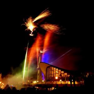 Leuchtturm in Flammen 2014 von Wellenreiter Photography