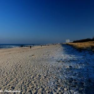 Eisige Kälte am Strand von Warnemünde. Foto: Wellenreiter Photography
