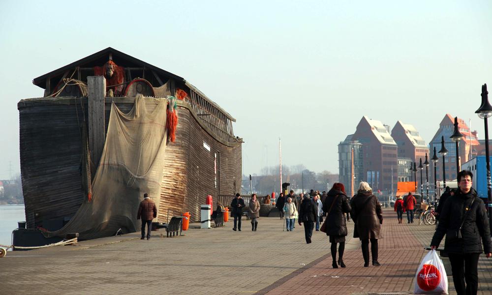 Arche Noah verlängert Aufenthalt in Rostock. Foto: Bigship BV