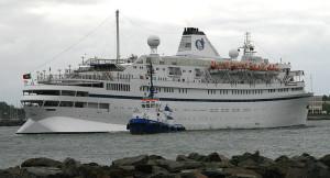 Kreuzfahrtschiff Athena in Warnemünde, 2010. Foto: Olaf Krull