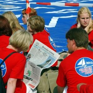 Auch die Zeitung schreibt drüber. Foto: Joachim Kloock