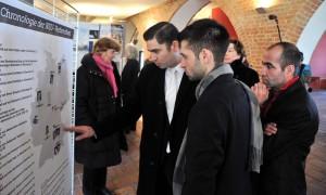 """Ausstellung """"Die Opfer des NSU und die Aufarbeitung der Verbrechen"""" in Rostock. Foto: Joachim Kloock"""