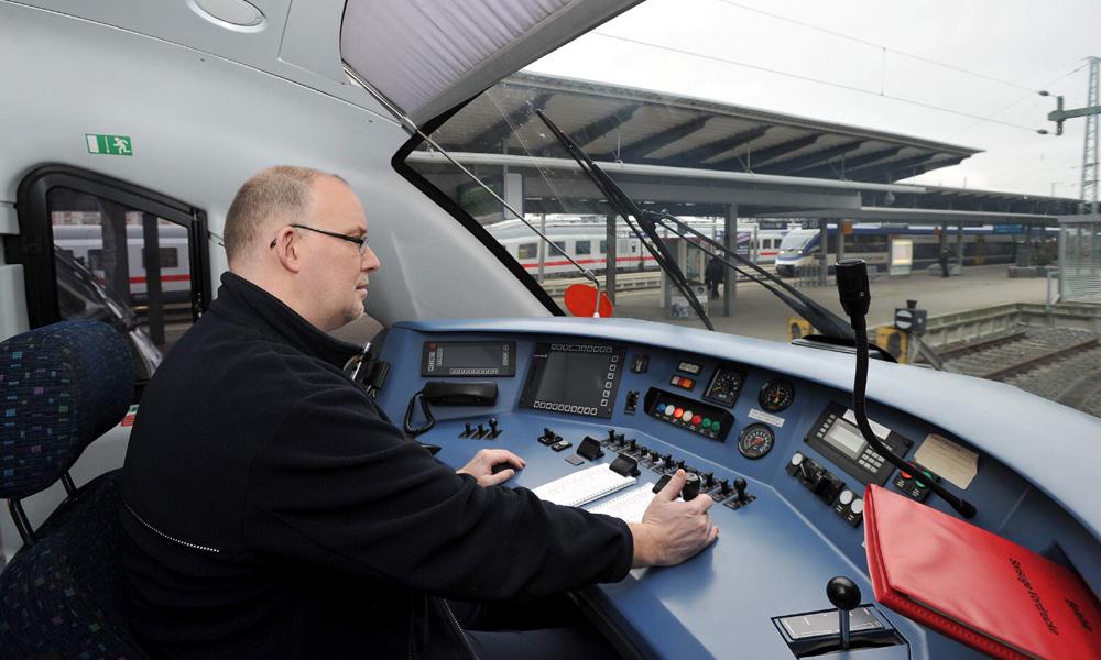 Bahnstrecke zwischen Rostock und Berlin. Foto: Joachim Kloock