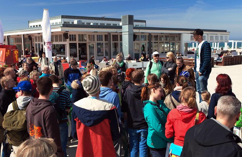 Zusammenkunft alle Teilnehmer am Leuchtturm Warnemünde. Foto: Matthias Marx