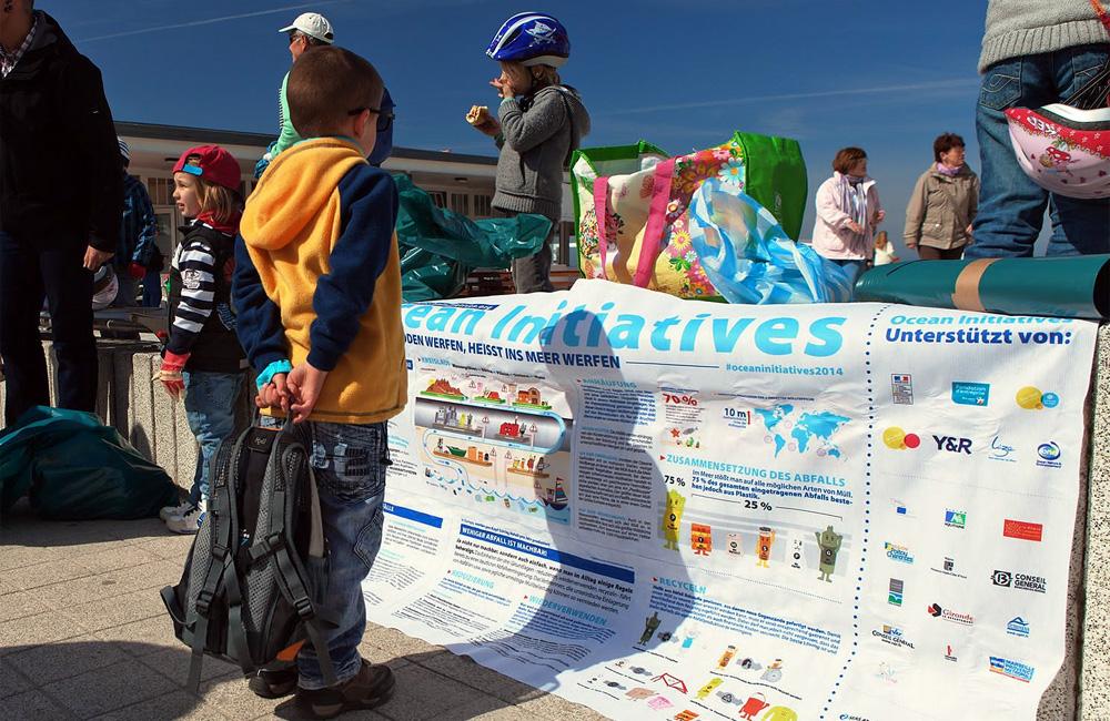 Infotafel der Ocean Initiatives in Warnemünde. Foto: Matthias Marx