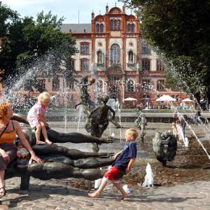 Brunnen der Lebensfreude in Rostock. Foto: Joachim Kloock