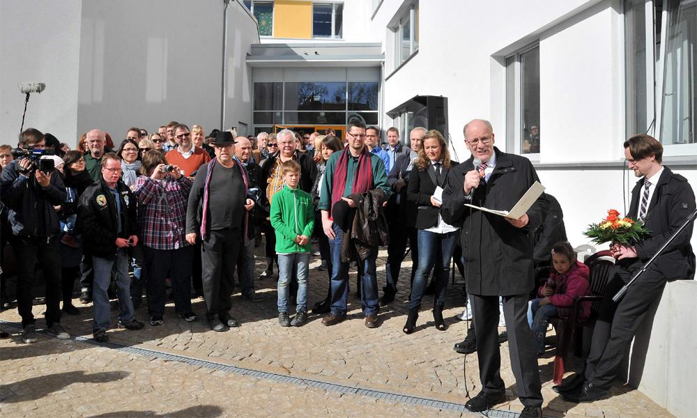 """Oberbrügermeister Roland Methling eröffnet Kunst- und Medienzentrum """"FRIEDA 23"""" in Rostock. Foto: Joachim Kloock"""