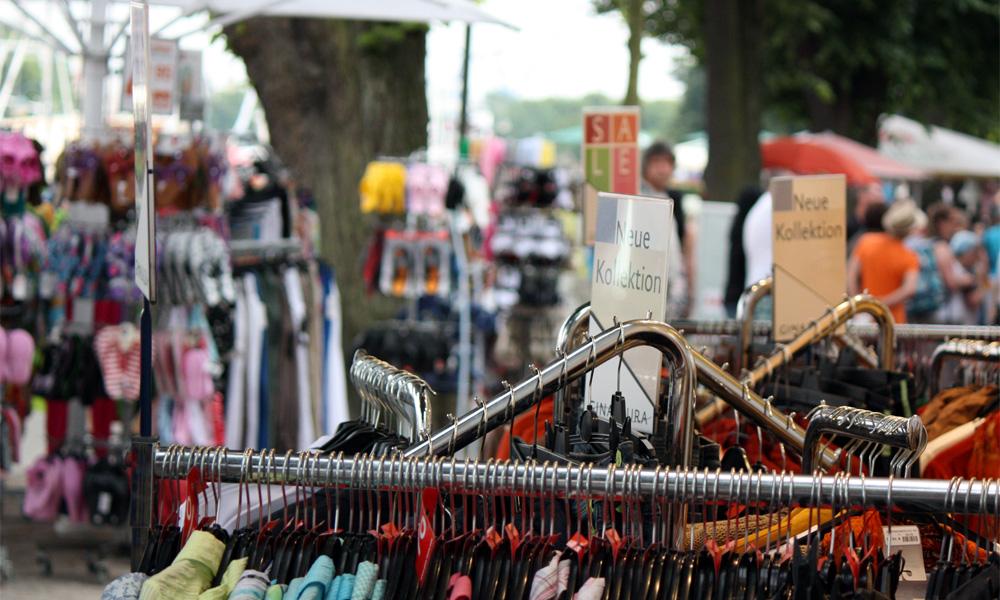 Befragung von Einzelhandelsbetrieben in Rostock und Warnemünde. Foto: Martin Schuster