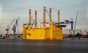Offshore-Plattform BorWin beta in Warnemünde. Foto: Jens Schröder