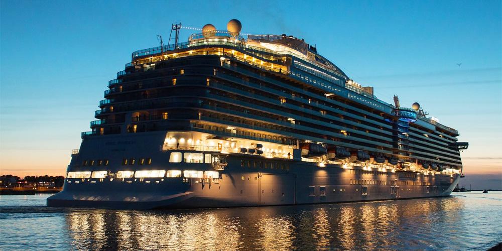 Kreuzfahrtschiff Royal Princess in Warnemünde. Foto: Jens Schröder
