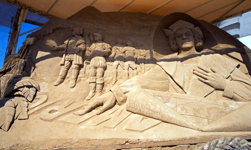 Karls schönste Sandfigur in Warnemünde. Foto: Jens Schröder