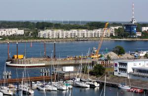Die Spundwandsicherung an den Fährbecken im Alten Fährhafen Warnemünde erfolgte bereits. Foto: Martin Schuster
