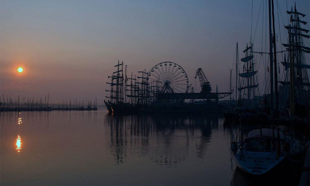 Morgenstunden im Stadthafen Rostock zur 24. Hanse Sail 2014. Foto: Jens Schröder