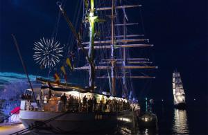 Feuerwerk bei der 24. Hanse Sail 2014 in Warnemünde. Foto: Lutz Zimmermann / Hanse Sail Rostock