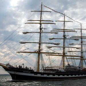Die Kruzenshtern bei der 24. Hanse Sail 2014 vor Warnemünde. Foto: Jens Schröder