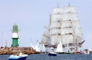 Das Segelschulschiff der Deutschen Marine Gorch Fock in Warnemünde. Foto: Lutz Zimmermann / Hanse Sail Rostock