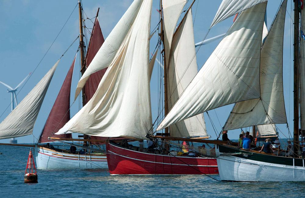 Start der 6. Haikutter-Regatta zur 24. Hanse Sail 2014 vor Nysted, Foto: Maximilian Bosse