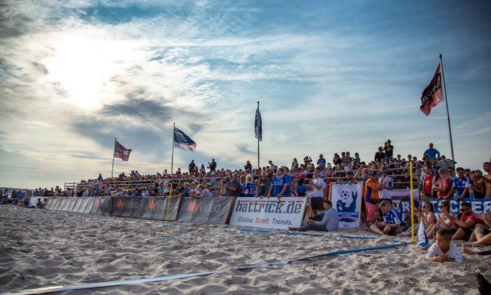 Herrliche Kulisse zum Endspiel der German Beach Soccer League in Warnemünde. Foto: Baltic Foto