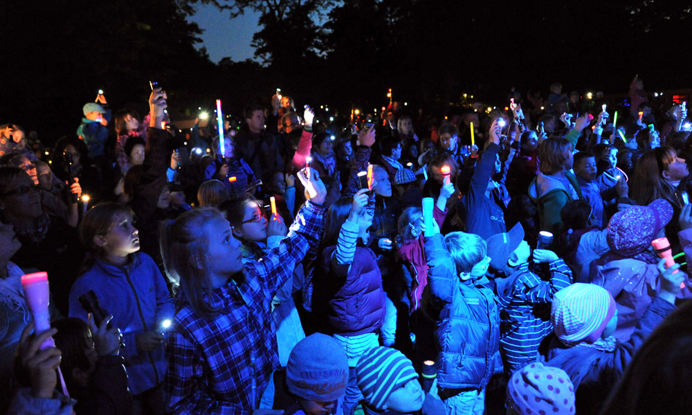 Taschenlampenkonzert im Zoo Rostock. Foto: Joachim Kloock