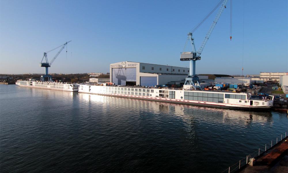 Schiffe für Viking River Cruises an der Neptun Werft in Warnemünde. Foto: Neptun Werft