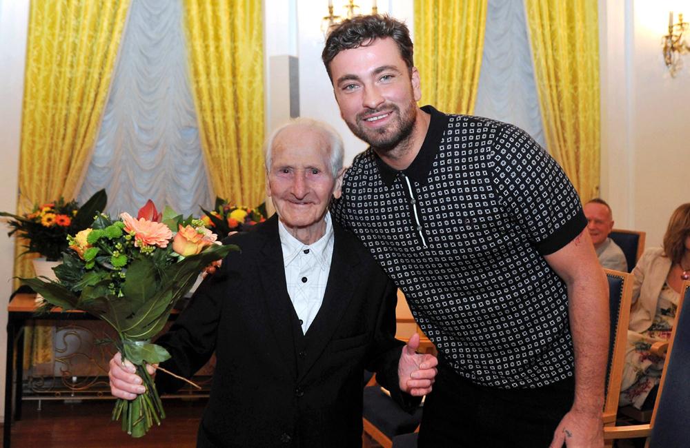 Die beiden Musiker Michael Tryanowski und Marten Laciny wurden für ihre Verdienste geehrt. Foto: Joachim Kloock
