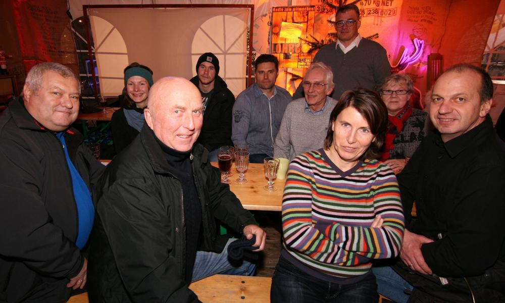 Segler und Organisatoren ausWarnemünde saßen zum Jahresende vereint an einem Tisch, um die 78.Warnemünder Wochezu planen.Foto: Gesine Schuer