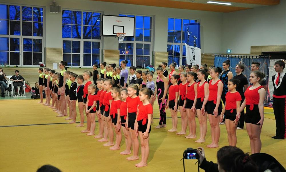 Traditionales Weihnachtsturnen der Sportakrobaten. Foto: Hendrik Wotzka
