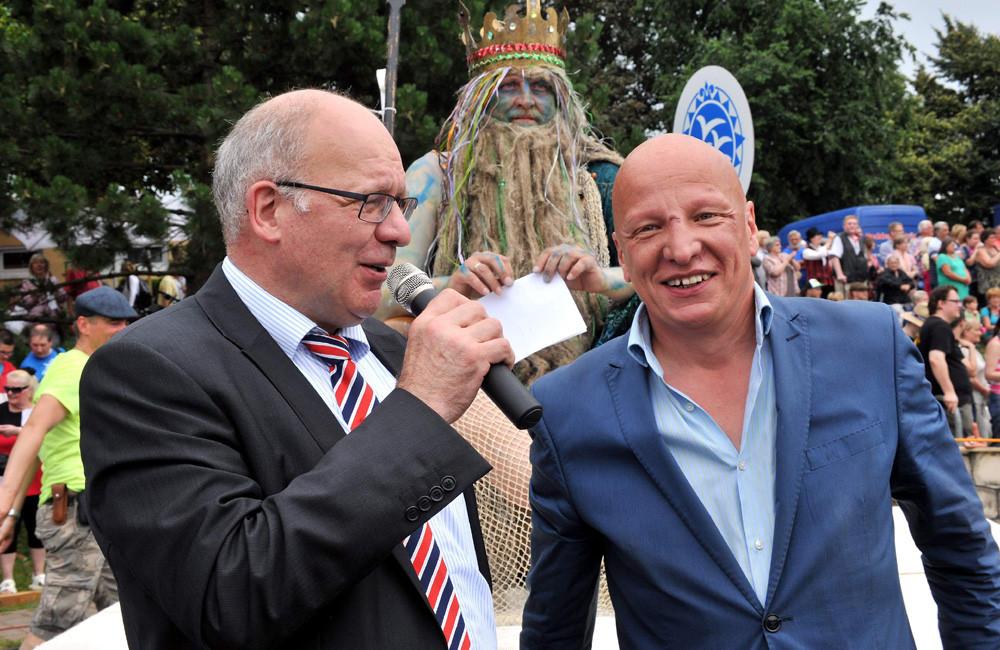 Oberbürgermeister Roland Methling und Volkstheater-Intendant Sewan Latchinian. Foto: Joachim Kloock