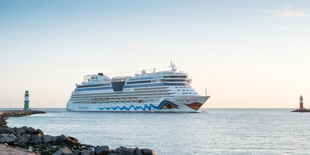 AIDAdiva in Warnemünde. Foto: Georg Schwarnweber / AIDA Cruises