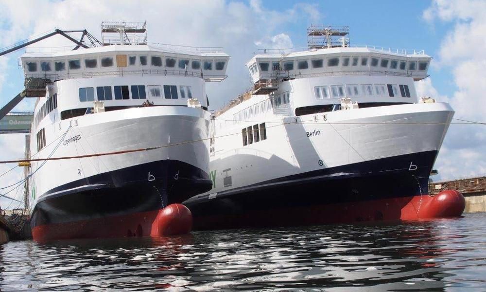 Beide Scandlines-Fähren auf der FAYARD-Werft. Foto: Lars Jordt