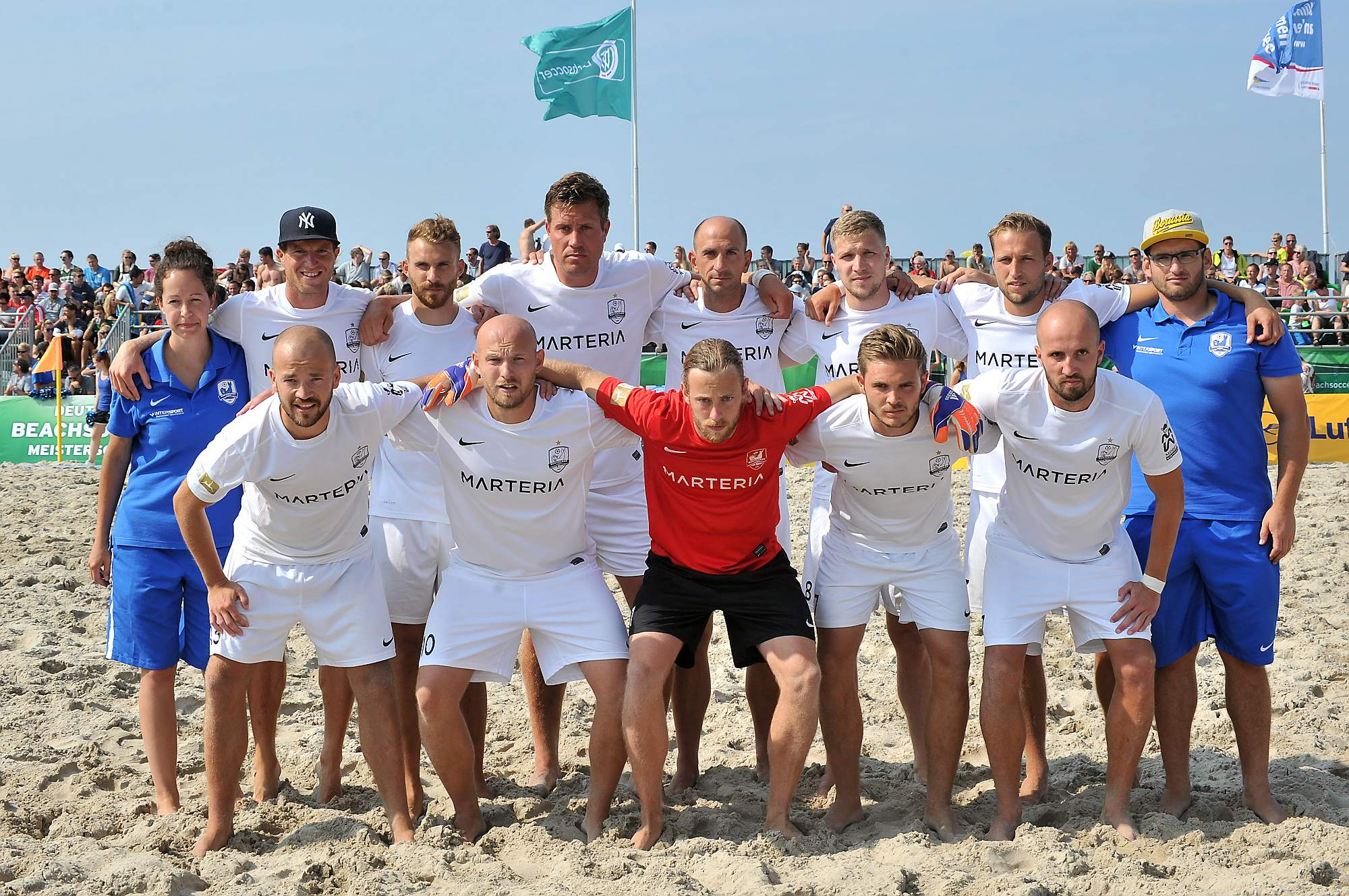 Rostocker Robben vor dem Finale der Deutschen Beachsoccer-Meisterschaft in Warnemünde. Foto: Joachim Kloock