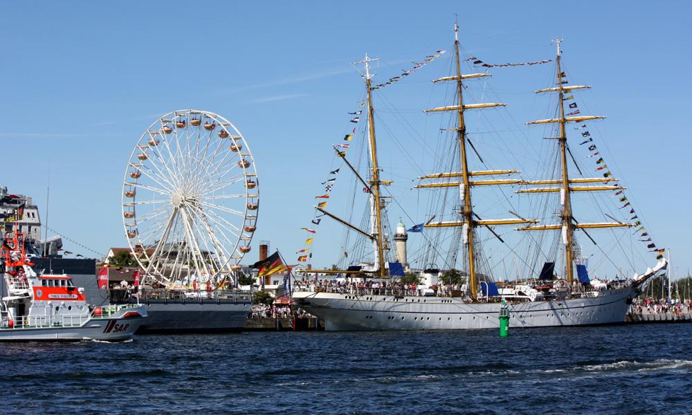 Segelschulschiff Gorch Fock am Passagierkai in Warnemünde. Foto: Martin Schuster