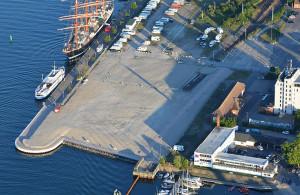 Luftaufnahme vom Alten Fährhafen in Warnemünde, Juni 2015. Foto: Manfred Sander