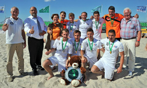 Das Beach Soccer Team Chemnitz gewann den DFB-Beachsoccer-Cup 2013 in Warnemünde. Foto: Joachim Kloock