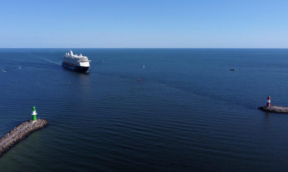 Mein Schiff in Warnemünde