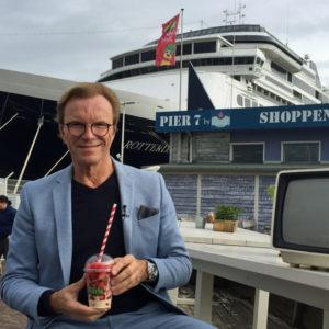 Wolfgang Lippert am Pier 7 in Warnemünde. Foto: Martina Körbler